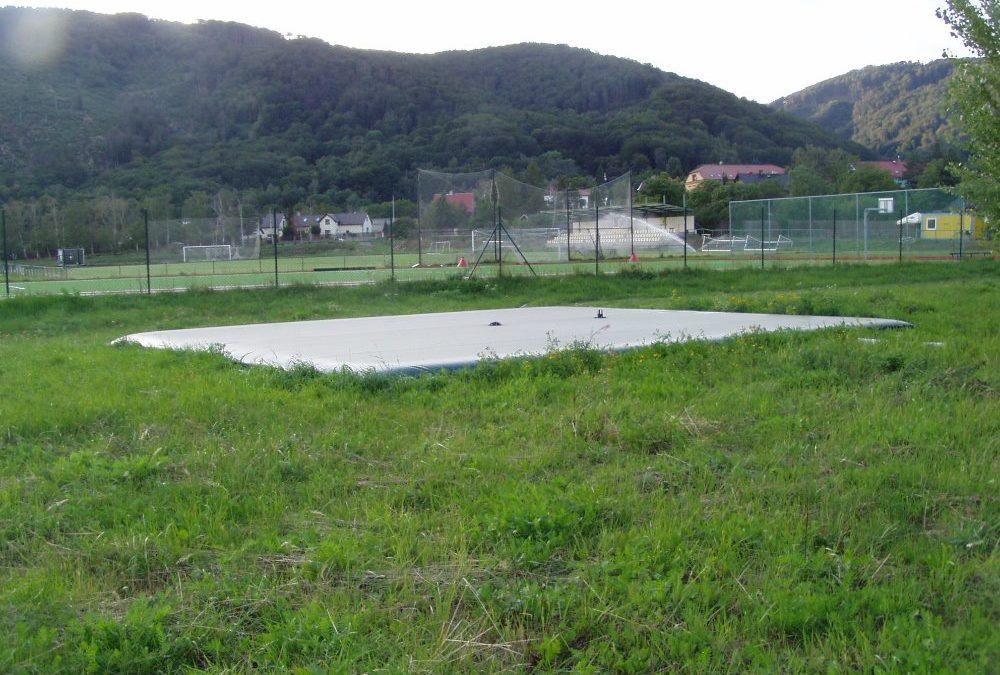 Příběh Horní Jiřetín – Vak na fotbalové hřiště
